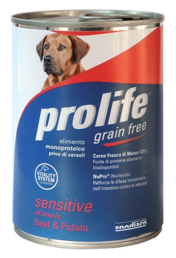 Complete food rich in fresh salmon meat and harring with potato for sensitive adult dogs.