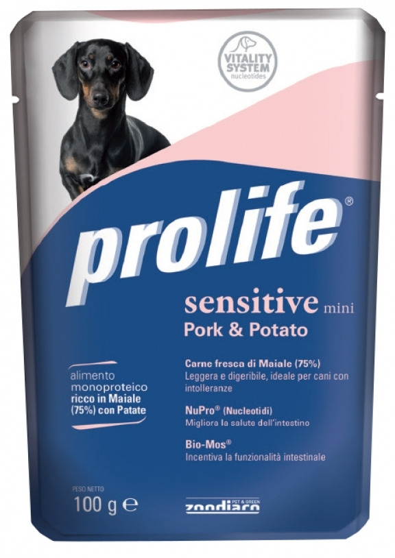 Complete pet food full of fresh reindeer with potatoes for sensitive small dogs.